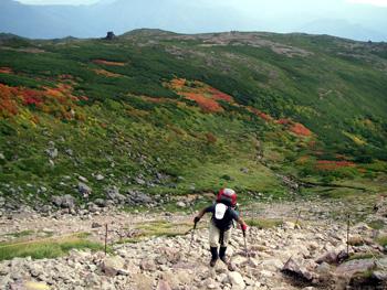 岩場を登るkenji
